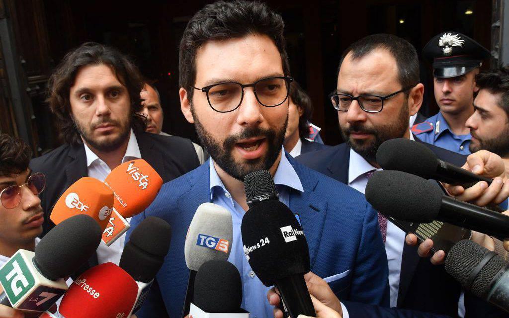"""Gaffe del deputato M5S: """"Per quale mojito…"""" – VIDEO"""