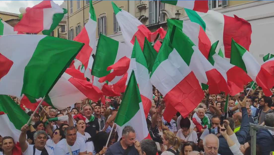 Manifestazione contro il Conte Bis a Roma, Migliaia di manifestanti ...