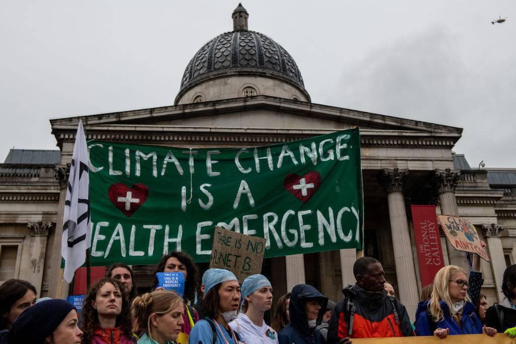 Londra arresti proteste clima