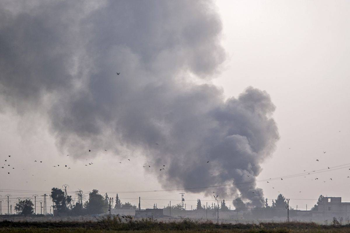Turchia bombarda curdi in Siria