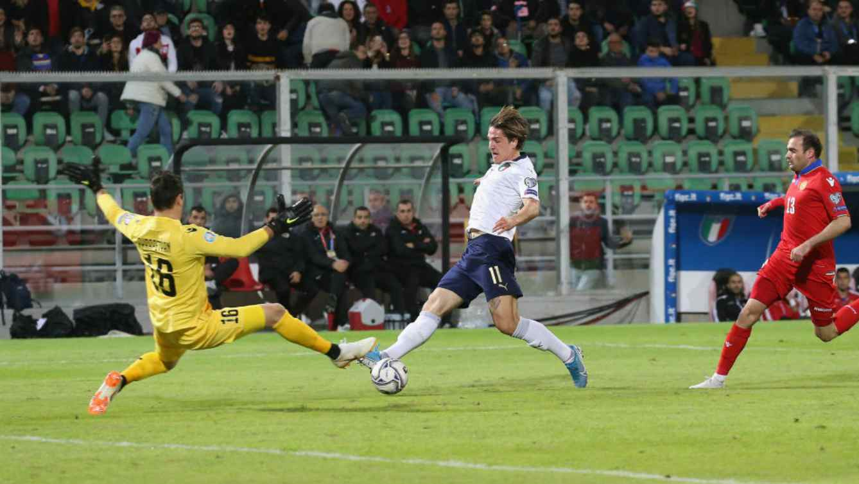 Calcio  Italia record: 9-1 Armenia