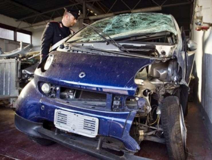 La Smart di Karim Capuano dopo l'incidente (ilcaffe.tv)