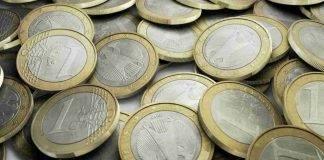 manciata di monete da 1 euro (Contocorrenteonline.it)