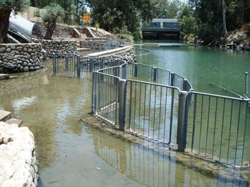 FIUME GIORDANO / Acque inquinate, battesimi a rischio: l'immersione può causare danni alla salute