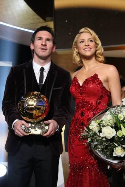 386022 10150578779054560 5027904559 8623880 1636471413 n1 400x600 Shakira: serata di gala a Zurigo per premiare i migliori giocatori del mondo (fotogallery)