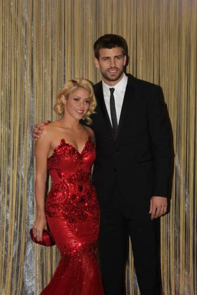 409145 10150578778249560 5027904559 8623867 1656047535 n 400x600 Shakira: serata di gala a Zurigo per premiare i migliori giocatori del mondo (fotogallery)