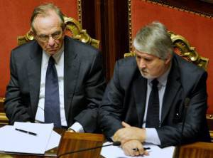 Poletti e Padoan in Parlamento (ANDREAS SOLARO/AFP/Getty Images)