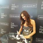 Irina Shayk: in giro per il mondo con 'The Perfect Bra Tour' di 'Intimissimi' (fotogallery)