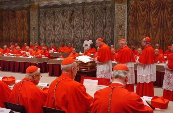 Conclave al via, ma è scontro sullo Ior
