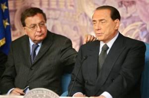 Paolo Bonaiuti e Silvio Berlusconi (Getty Images)