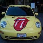 Un Maggiolone con la lingua dei Rolling Stones
