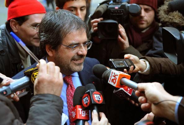 """Comunali in Sicilia, Giarrusso (M5S) denuncia: """"Accordo sottobanco per Enzo Bianco"""""""