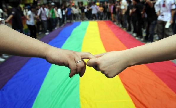 Russia: legge anti-omosessuali attaccata in tv dall'attivista James Kirchick