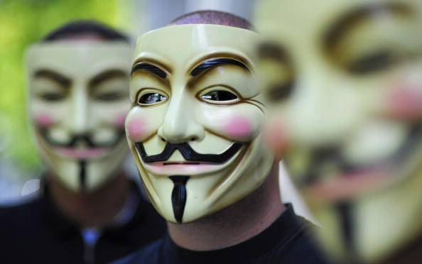 Anonymous mette ko il portale web del tribunale di Roma