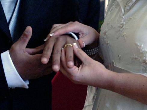ITALIA / Matrimoni misti, triplicate negli ultimi 15 anni le unioni tra italiani e stranieri