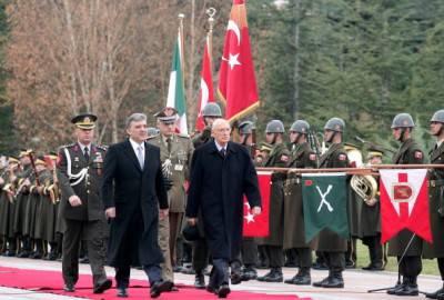 Giorgio Napolitano ed Abdullah Gul durante un precedente incontro ad Ankara (ADEM ALTAN/AFP/Getty Images)