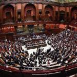Costi politica: da oggi parte la riforma dei vitalizi. Rinviati i tagli degli stipendi