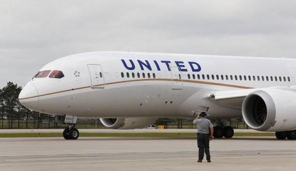 Ebola, la United Airlines alla ricerca dei passeggeri che viaggiarono con Duncan
