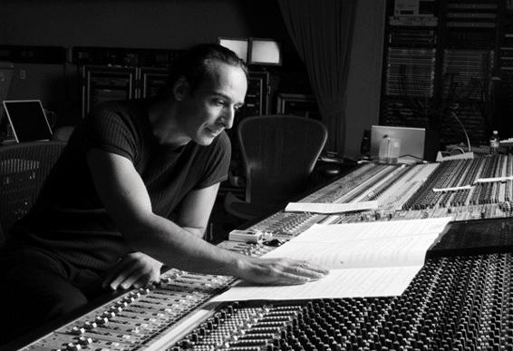 """Alexandre Desplat, un genio della musica """"prestato"""" al cinema: l'intervista"""