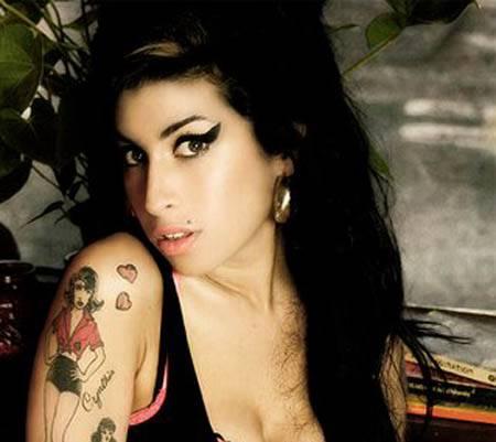 E' morta Amy Winehouse: la cantante è stata trovata senza vita nella sua casa di Londra