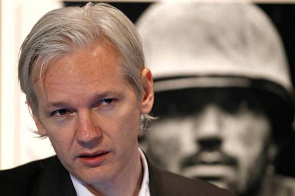 Wikileaks: l'Indipendent rivela che Assange si nasconde nel Regno Unito, la polizia sa dove si trova