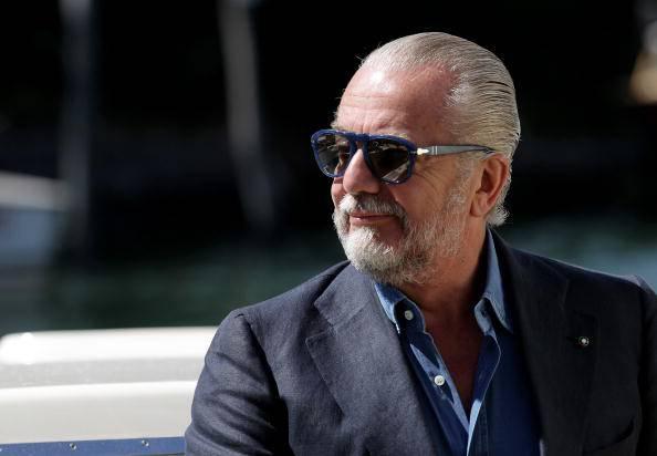 De Laurentiis ammonisce Cavani e insulta Raiola: show del patron azzurro ieri a Dimaro