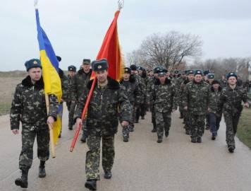 Corteo di Piloti ucraini nella base militare di Belbek,  nei pressi di  Sebastopoli (Getty images)