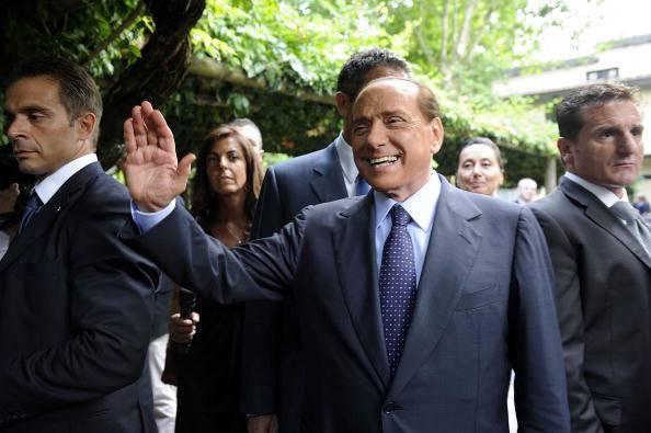 """Berlusconi: """"Questo governo ha riempito l'Italia di promesse"""""""