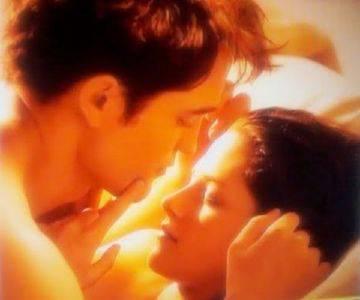 Saga 'Twilight': Edward e Bella, scena di sesso in 'Breaking Dawn'