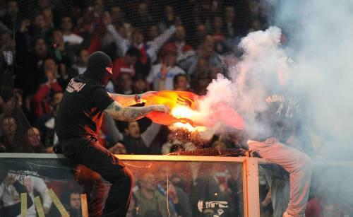 """ITALIA-SERBIA / Stampa serba, """"Gli ultras sono stati pagati per far sospendere la partita con l'Italia"""""""