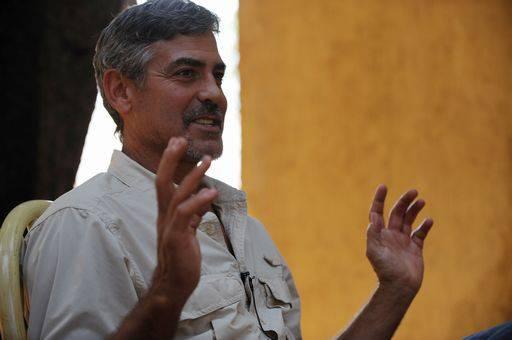 George Clooney confessa di aver preso la malaria in Sudan prima del referendum