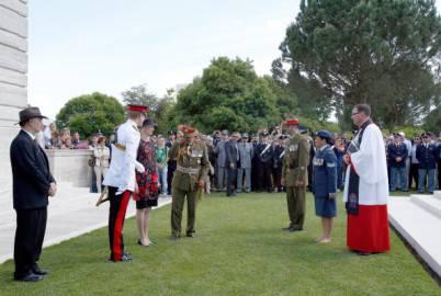 Principe Harry alla commemorazione delal Battaglia di Montecassino al cimitero del Commonwealth (Getty images)