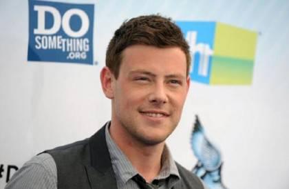 Cory Monteith Finn Hudson Glee 2 420x274 Grave lutto nel mondo del Cinema: morto lattore TV più amato del mondo. FOTO!