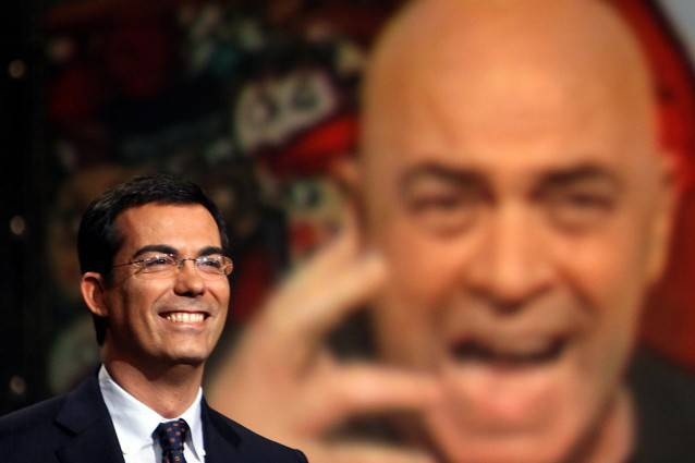 """Crozza a Ballarò: """"Ghedini e l'uveite di Berlusconi"""" GUARDA IL VIDEO"""