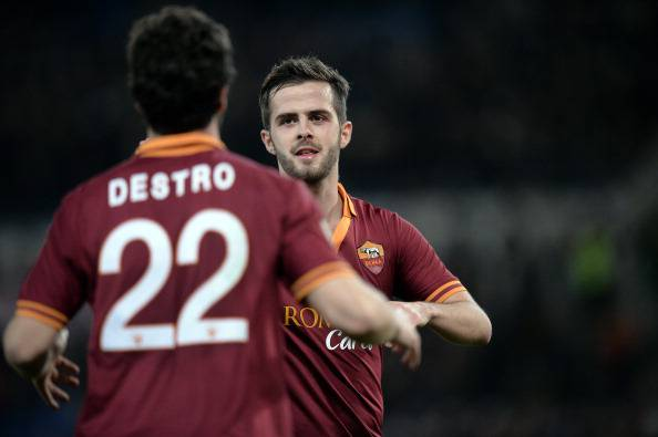 Pjanic incanta l'Olimpico: Roma – Milan 2-0. Le pagelle