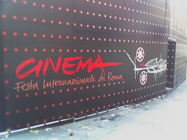 AL FESTIVAL DI ROMA PROTESTA SUL RED CARPET
