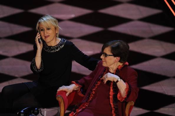 Sanremo amarcord con le Kessler, Valeri, Baglioni e una dolce sorpresa..