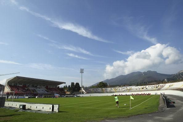 """Varese – Catania, rissa tra tifosi all'esterno del """"Franco Ossola"""": 5 feriti"""