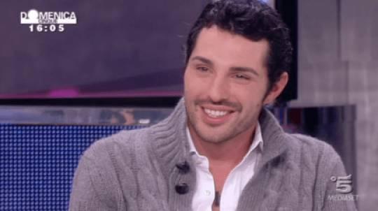 """Matteo Guerra in spiaggia con Francesca De Andrè: """"La vedo come una sorella minore"""""""