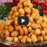 La ricetta del giorno: gli struffoli, il dolce natalizio della tradizione napoletana (Guarda Video)