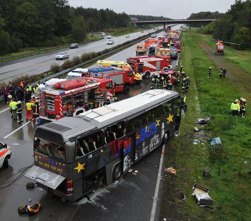 GERMANIA / Incidente stradale, bus polacco esce di strada. 13 i morti