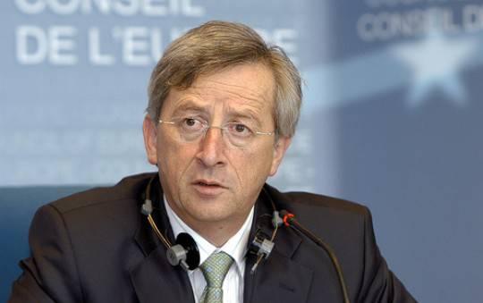 Juncker: Eurozona sull'orlo della recessione