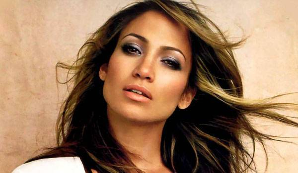 Jennifer Lopez verrà intervistata questa sera a Matrix