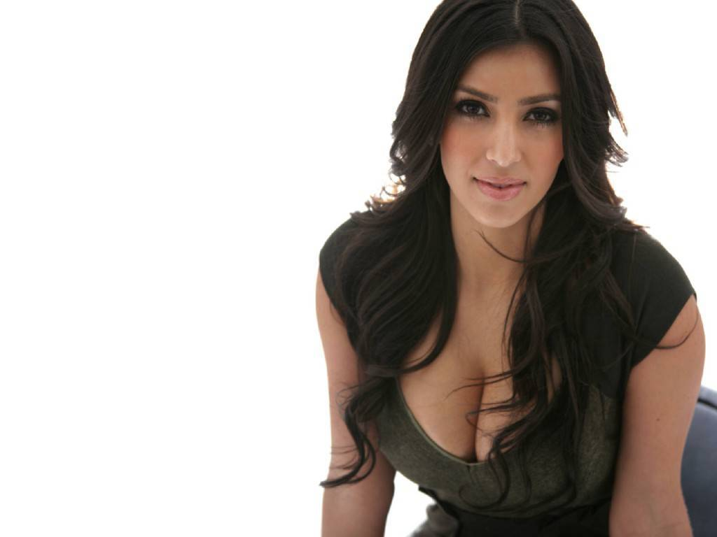 Kim Kardashian aggredita dallo stalker del lato b