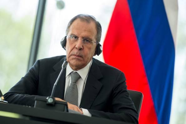 """Siria, il ministro degli esteri russo Lavrov: """"Non capiamo dove sia lo scandalo delle armi"""""""