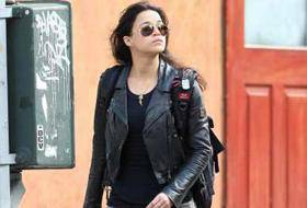 MICHELLE RODRIGUEZ / New York, l'attrice paparazzata in giro per Manhattan in stile bad girl