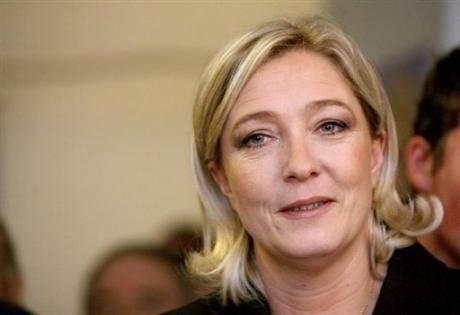"""Marine Le Pen critica Berlusconi: """"Sconfitto per le sue vicende personali"""""""