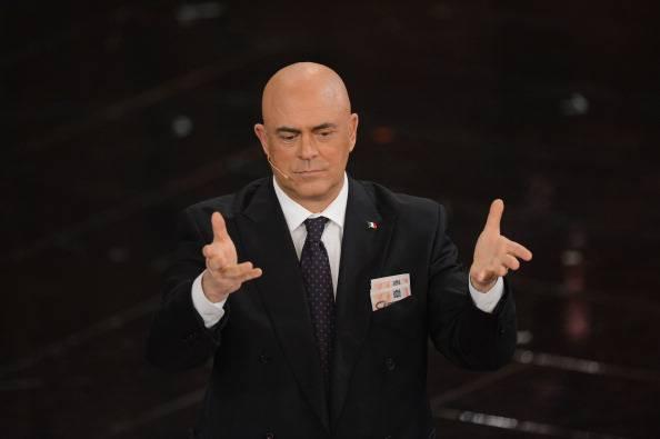 """La copertina Crozza a """"Ballarò"""": Berlusconi, dal codice penale al codice opinabile (VIDEO)"""