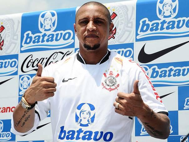 Roberto Carlos è un giocatore del Anzhi Makhachkala