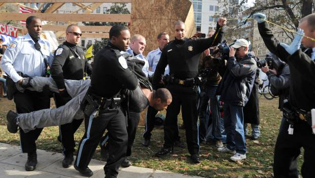 Washington: arrestati 32 manifestanti del  movimento 'Occupy DC'